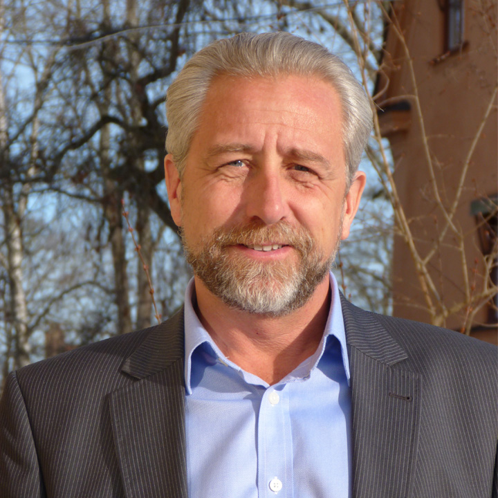 Henrik Hammargren : Executive Director