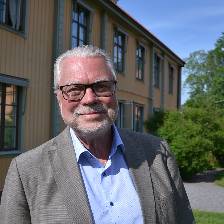 Lennarth Hjelmåker : Senior Advisor